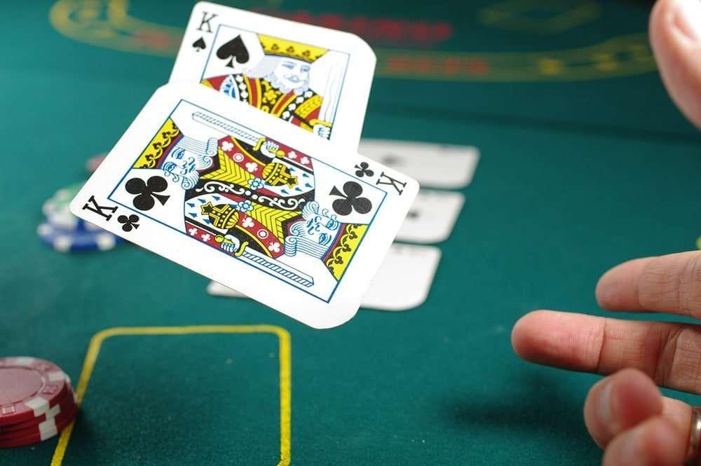 3 Card Brag vs 3 Card Poker
